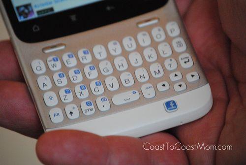 HTC_Status_Facebook_Button