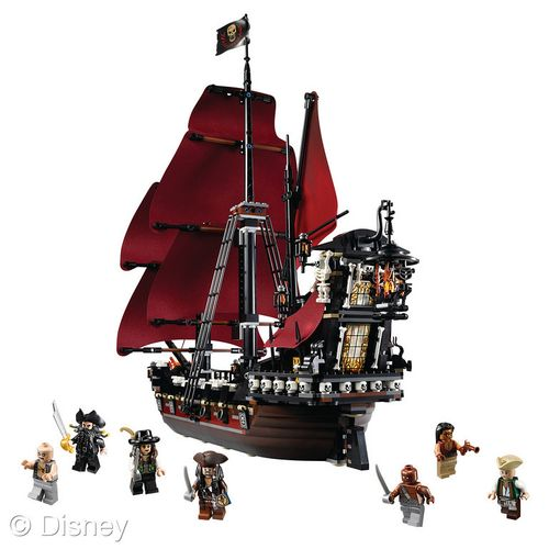LEGO PIrates of the Carribean Queen Annes Ship