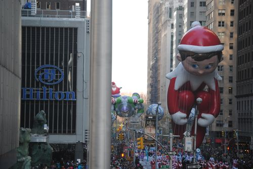 Parade - Elf balloon near end