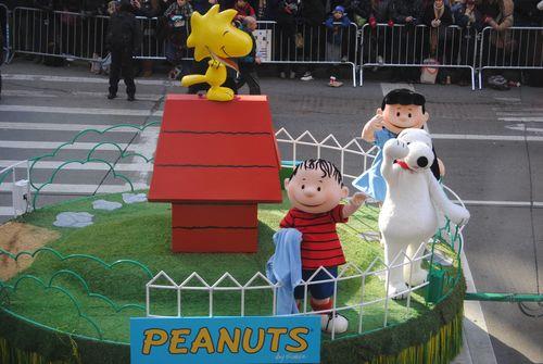 Parade - Peanuts float